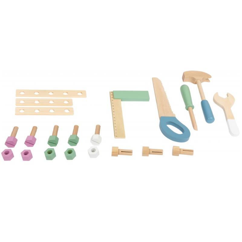 Wekzeug aus Holz zum spielen. Winkel, Säge, Schraubendreher, Hammer